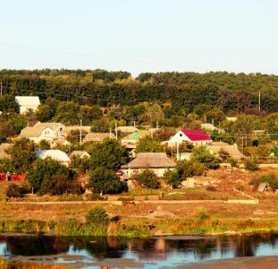 Продажа отличного дома на берегу реки Рось.