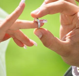 Приворот любовный,чтобы только вы были любимы в отношениях.Приворот брачный,если партнер не решается