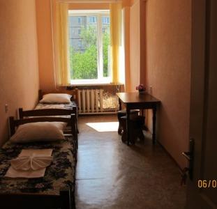 Сдаем уютные комнаты эконом класса  в мини отеле посуточно.