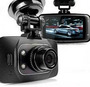 Видеорегистратор Новатэк GS8000L.