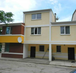 Г.Ялта,  Таунхауз; 105 000$; 2 комнатный,  2 этажный с ремонтом 75кв.м