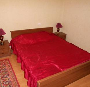 Бердянск 1-квартира посуточно с wi-fi