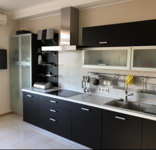 Продам  шикарную  современную  2-х комнатная квартира с кухнею-студией. Среднефонтанская