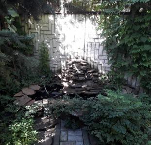 Продам квартиру-дом с палисадником в Центре Приморского района Одессы!