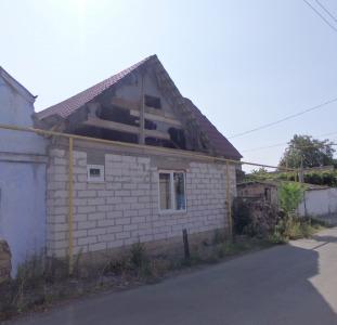 Продам дом  на Слободке, возле Гор больницы с угловым участком по адекватной цене.