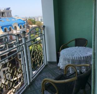 Продам квартиру в историческом центре города на Военном спуске.