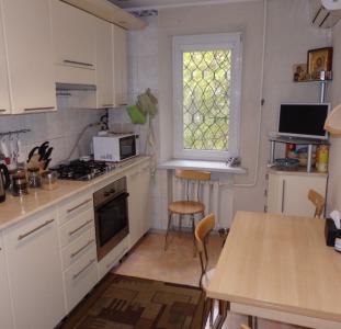 Продам просторную квартиру в колоритном районе Одессы.