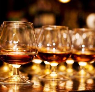 Продам коньяк, виски, водку, чачу, вино, шампанское - оптом и в розницу