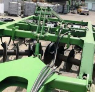 Глубокорыхлитель John Deere 510,  5 стоек под трактор 300 л.с.