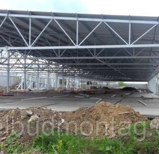 Будівництво виробничих приміщень. Монтаж металоконструкцій.