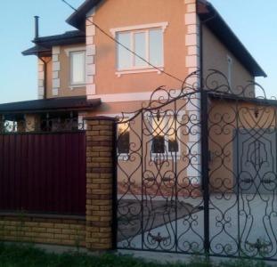 Новый дом 2016 года постройки, г. Цюрупинск (польскому проекту, европейского стиля). Продажа