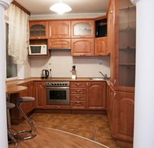 3-к.квартира в Киеве посуточно, ул. Озерная 8
