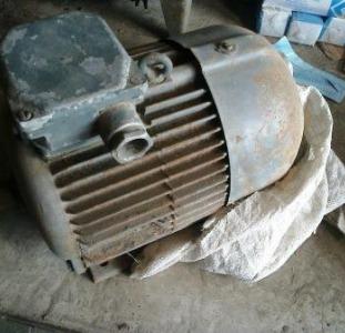 Другое Электродвигатель 4АМ 7,5квт