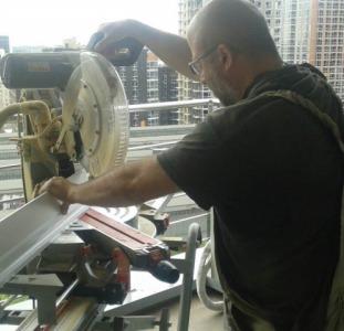 Монтаж установка плинтуса МДФ, деревянного Киев и область