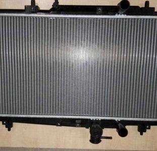 Радиатор охлаждения на Эмгранд ЕС7