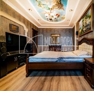 Трехкомнатная квартира с ремонтом  центр города  проспект Победы 119а