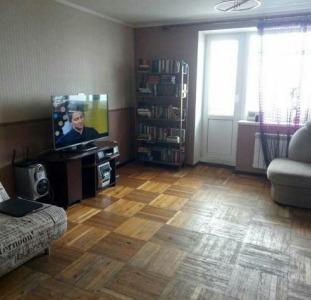 Продам 4-х комнатную квартиру с ремонтом.