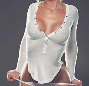 Она ищет его Заласкаю твой член,тесно прижимаясь к телу,прислонюсь грудью,попкой