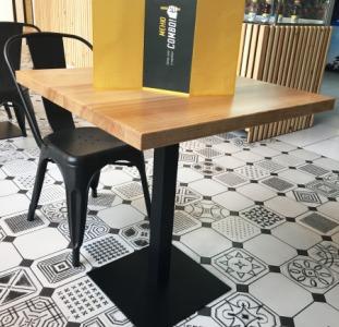 Деревянные столы для баров и ресторанов