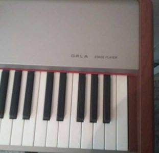 Продам цифровое пианино Орла