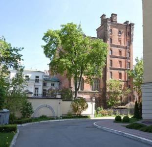 Сдам в долгосрочную аренду 3х комн. квартиру ул. Лысенко, 2А.