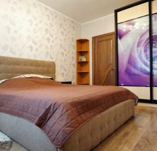 2-комнатная квартира 58,4 кв.метра с отличным ремонтом ул.Независимости р-н Масаны.