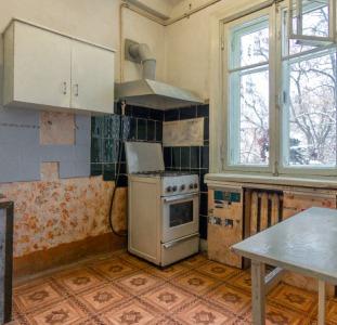 2- комнатная сталинка, 3-метра потолки, в Центре, Круг Мазепы Щорса