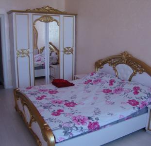 Сдаю посуточно и почасово 2 комнатную квартиру в Новострое ЖК Альтаир