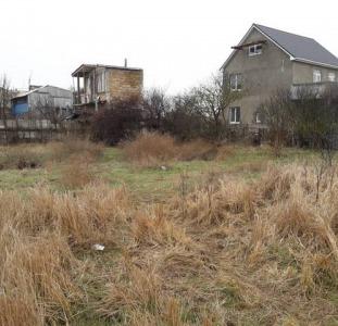 Продается дом под разборку с соседним участком