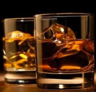 Напитки Качественные напитки, доступно: Cognac, Whiskey, вино и др.