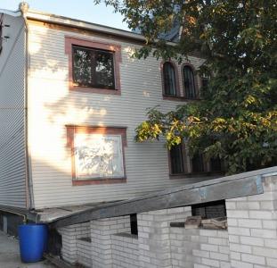 Продам дом в Софиевской Борщаговке - 800 метров от Киева . Супер место