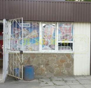 Продам отдельностоящий магазин Ак. Глушко /  Киевский рынок