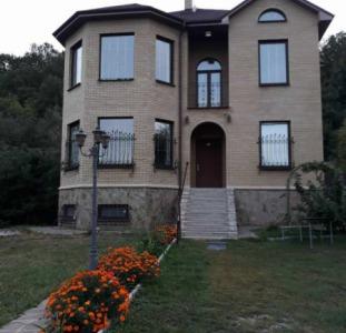 Продам большой добротный дом на Большой Даниловке