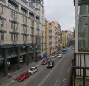 Не Упусти Свой Шанс! Продажа 3к квартиры Центр Киев Б.Житомирская 21