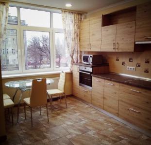 Сдам 2-х комнатную квартиру с Евроремонтом новый дом Шевченковский район метро 5-минут пешком