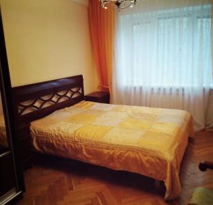 Сдам 2-х комнатную квартиру с ремонтом Печерский район метро Дружбы народов