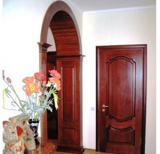 Двери и арки межкомнатные.