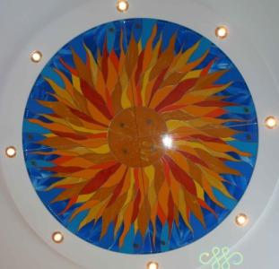 Стеклянные подвесные потолки, полы, стеклянные кухонные фартуки