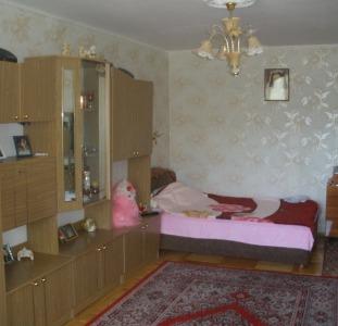 Продам 3-комнатную 2/5 ул.Космонавтов/Филатова
