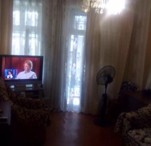 Продам 3-комнатную 2/3 Торговая/Новосельского