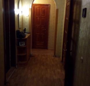 Квартиры Продам 4-комнатную 2/10, 4ст.Фонтана/Ипподром