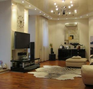 Продам 4к квартиру в новом доме клубного типа, евроремонт, мебель + 2 паркинга