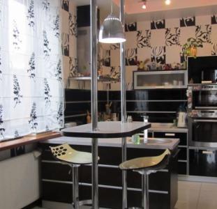 Продам дом 300м Холодная Гора (Робеспьера) евроремонт, гараж, центр. ком-ции, три с/у