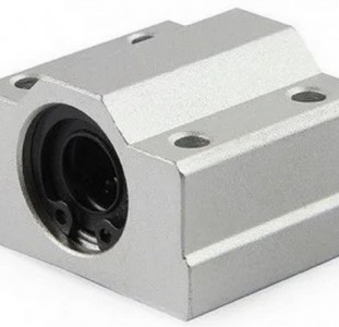 Линейный подшипник  в корпусе SC20UU 20 мм.