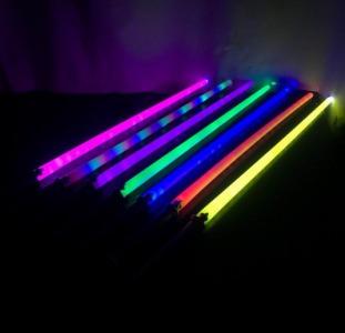 Световой меч без звуковых эффектов