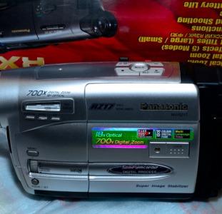 Видеокамера Panasonic NV-RZ17