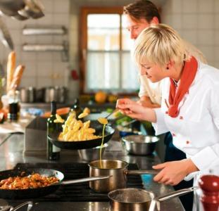 Работа в Литве. Повар в ресторан европейской кухни