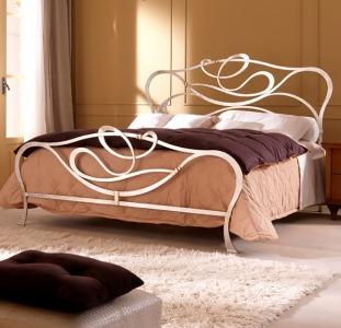 Шикарная кованая кровать