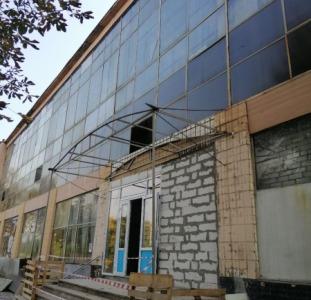 Сдам складские и офисные помещения возле ст.м Дворец спорта