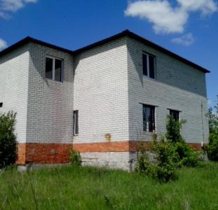 Отличный дом в живописном месте ищет заботливых хозяев!